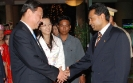 Hotel General Manager Saman Sarathchandra shakes hand with H.E. Xi Jinping